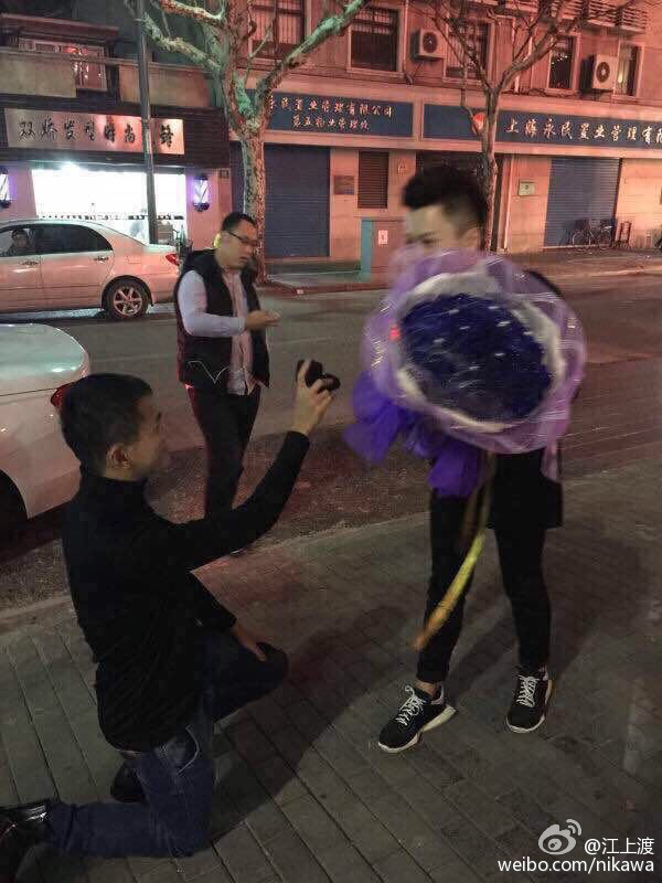 homosexual-gay-marriage-proposal-shanghai-03